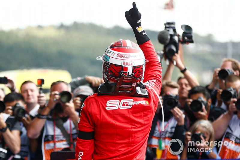Charles Leclerc, Ferrari, festeggia la vittoria al parc ferme