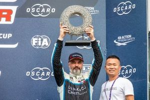 Podium: Yvan Muller, Cyan Racing Lynk & Co 03 TCR