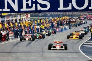 Ayrton Senna, McLaren MP4-4 at the start of the formation lap