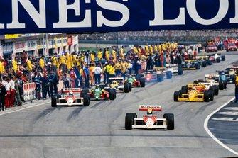 Ayrton Senna, McLaren MP4-4 alla partenza del giro di formazione del GP di San Marino del 1988