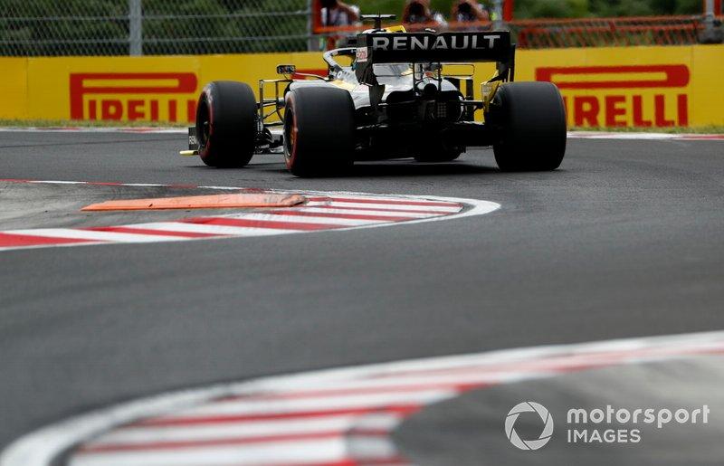 18: Daniel Ricciardo, Renault F1 Team, 1min17s257