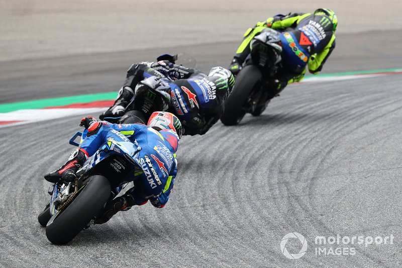 Valentino Rossi devant Maverick Viñales et Álex Rins
