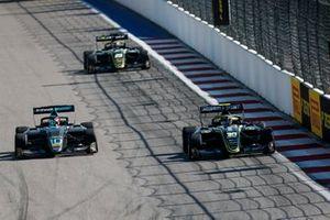 Bent Viscaal, HWA RACELAB and Felipe Drugovich, Carlin Buzz Racing