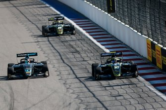 Bent Viscaal, HWA RACELAB and Felipe Drugovich, Carlin Buzz Racing