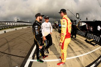 James Hinchcliffe, Arrow Schmidt Peterson Motorsports Honda, Marcus Ericsson, Arrow Schmidt Peterson Motorsports Honda, and Ryan Hunter-Reay, Andretti Autosport Honda