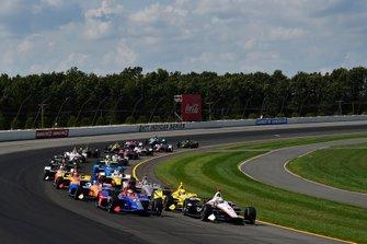 Josef Newgarden, Team Penske Chevrolet, Alexander Rossi, Andretti Autosport Honda, start