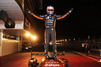 Il vincitore della gara #26 G-Drive Racing Aurus 01 Gibson: Jean-Eric Vergne