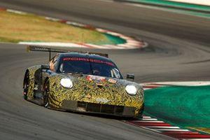 Эджидио Перфетти, Йорг Бергмайстер, Маттео Кайроли и Давид Хейнемейер Ханссон, Team Project 1, Porsche 911 RSR (№57)
