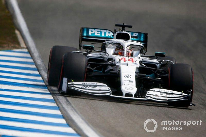 1. Льюис Хэмилтон (Mercedes) – 1:11,767