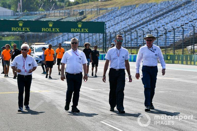 Les commissaires de la FIA