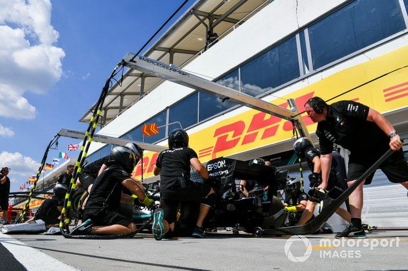 Mercedes AMG F1 práctica de pit stop