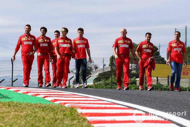 Charles Leclerc, Ferrari, découvre la piste