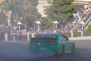 Burnout: Ryan Newman, Roush Fenway Racing, Ford Mustang Acorns