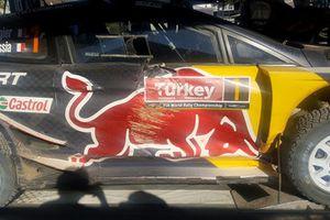 La voiture accidentée de Sébastien Ogier, Julien Ingrassia, Ford Fiesta WRC, M-Sport