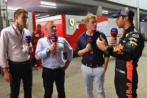 Paul di Resta, Sky TV, Johnny Herbert, Sky TV, Simon Lazenby, Sky TV talks with Daniel Ricciardo, Red Bull Racing