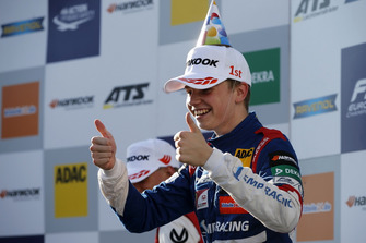 Podium: Race winner Robert Shwartzman, PREMA Theodore Racing Dallara F317 - Mercedes-Benz