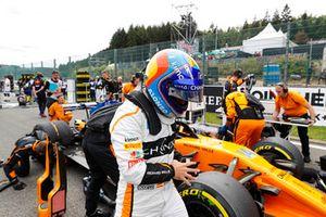 Fernando Alonso, McLaren, sur la grille