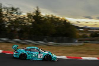 #4 Falken Motorsports Porsche 911 GT3 R: Martin Ragginger, Nick Tandy, Laurens Vanthoor