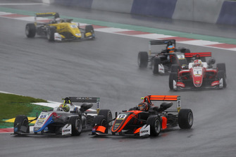Enaam Ahmed, Hitech Bullfrog GP Dallara F317 - Mercedes-Benz, Artem Petrov, Van Amersfoort Racing Dallara F317 - Mercedes-Benz