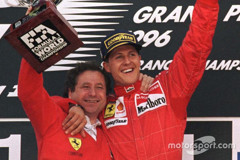 Podio: ganador de la carrera Michael Schumacher, Ferrari con Jean Todt, Ferrari