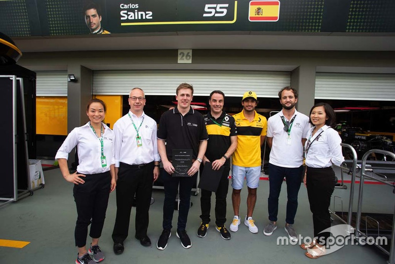 James Gourlie, Infiniti Engineering Academy, Carlos Sainz Jr., Renault Sport F1 Team