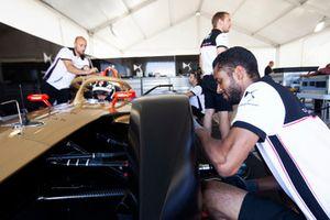 DS Techeetah team aan het werk