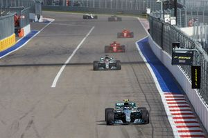 Valtteri Bottas, Mercedes AMG F1, leads Lewis Hamilton, Mercedes AMG F1 and Sebastian Vettel, Ferrari SF71H