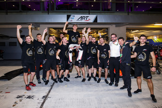 George Russell, ART Grand Prix, celebrates winning the championship with his team
