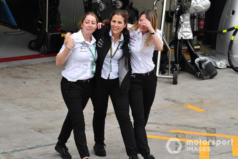 Mercedes-AMG F1 celebran en Parc Ferme
