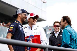 Daniel Ricciardo, Red Bull Racing, and Marcus Ericsson, Sauber, in the drivers parade