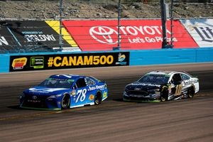Martin Truex Jr., Furniture Row Racing, Toyota Camry Auto-Owners Insurance and Aric Almirola, Stewart-Haas Racing, Ford Fusion Smithfield