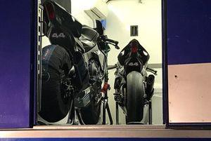 La Yamaha R1M que Lewis Hamilton a pilotée à Jerez