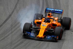 Fernando Alonso, McLaren MCL33, bloque une roue