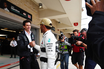 Lewis Hamilton, Mercedes AMG F1 and Toto Wolff, Mercedes AMG F1 Director of Motorsport celebrate Pole Position
