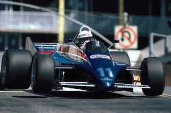 Elio de Angelis, Lotus 88 Ford