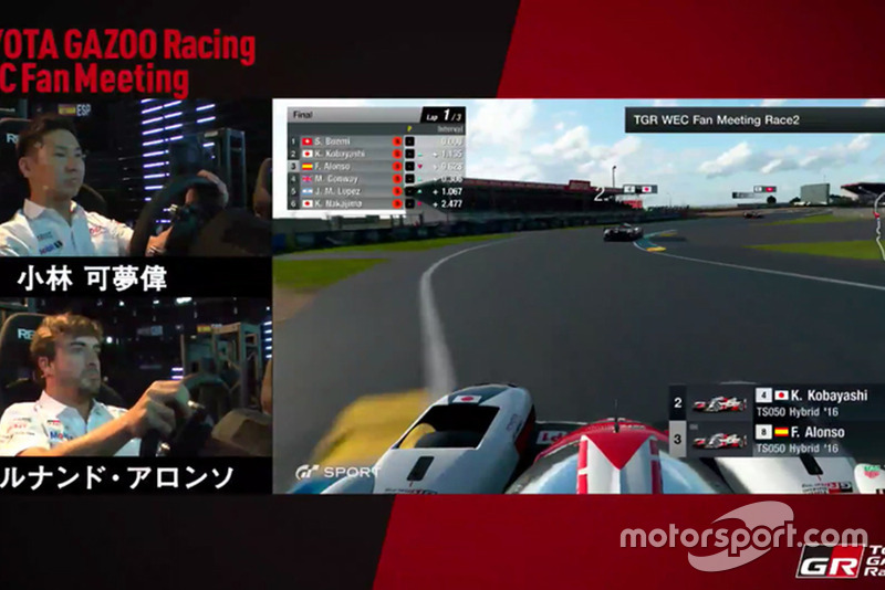 Fernando Alonso compitiendo en Gran Turismo Sport