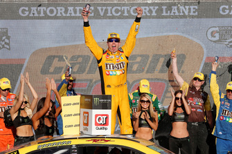 Race winner Kyle Busch, Joe Gibbs Racing, Toyota Camry M&M's