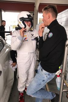 Franco Nugnes, direttore di Motorsport.com Italia, parla con Kevin Ceccon