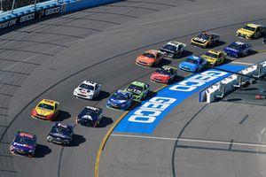 Denny Hamlin, Joe Gibbs Racing, Toyota Camry FedEx Ground and Ricky Stenhouse Jr., Roush Fenway Racing, Ford Fusion Ford