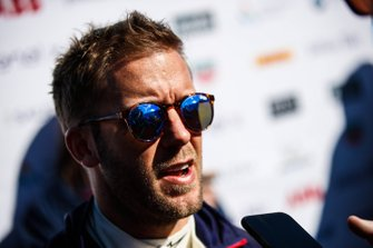 Sam Bird, Envision Virgin Racing, talks to the press
