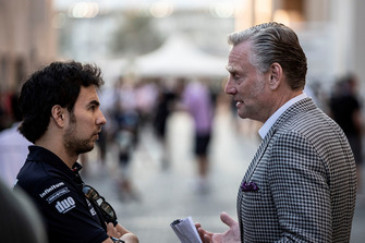 Sergio Perez, Racing Point Force India en Sean Bratches, Formula One Managing Director, Commercial Operations