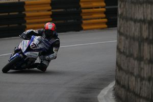 Phillip Crowe, Handtrans JCR Racing, BMW