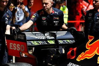 Pierre Gasly, Red Bull Racing RB15, rear wing