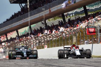 Antonio Giovinazzi, Alfa Romeo Racing C38, Valtteri Bottas, Mercedes AMG W10