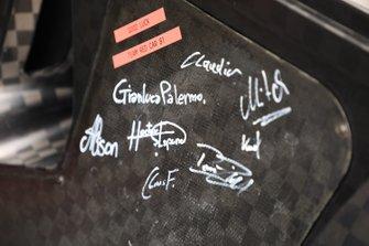 Дверь BMW M8 GTE (№81) команды BMW Team MTEK