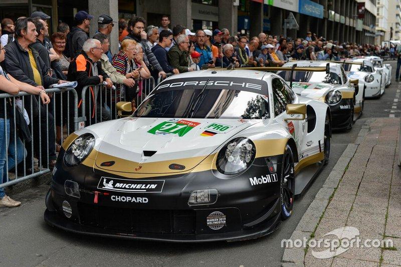 №91 Porsche 911 RSR
