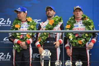 Второе место: №7 Toyota Gazoo Racing Toyota TS050: Майк Конвей, Камуи Кобаяши, Хосе Мария Лопес