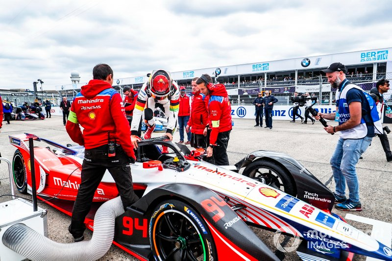 Pascal Wehrlein, Mahindra Racing, se sube a su M5 Electro