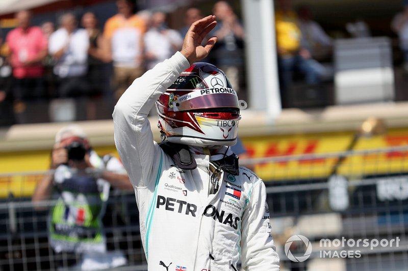 Lewis Hamilton, Mercedes AMG F1, celebrates pole after Qualifying