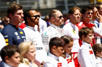 Max Verstappen, Red Bull Racing, Lewis Hamilton, Mercedes AMG F1, Valtteri Bottas, Mercedes AMG F1, Sebastian Vettel, Ferrari, Charles Leclerc, Ferrari, durante el himno